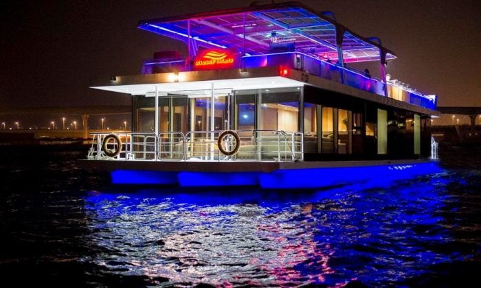 Dubai-Marina-Creek-Dinner-Cruise-–-Luxury-Glass-Boat-8