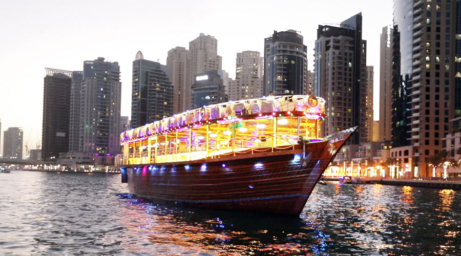 dhow-cruise-dinner-in-marina